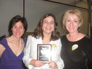 Anna, Maryanne and Lynn Green Shorty Award