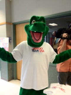 Stone Ridge Gator cheering for Katie Ledecky and Team USA